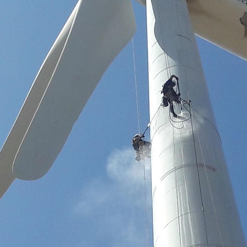 Limpieza de aerogeneradores en instalaciones eólicas