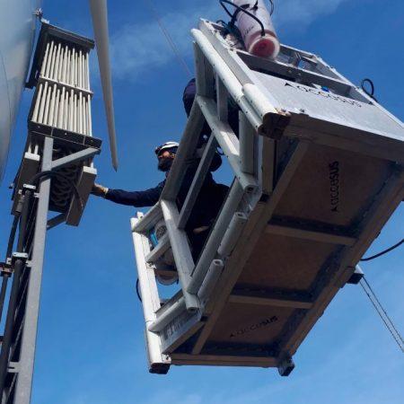Inspección de instalación eólica revisión conductividad