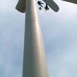 Reparación de palas instalación eólica trabajos verticales